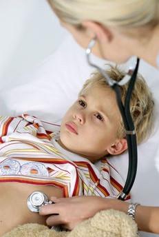 Как проявляются симптомы воспаления легких в детском возрасте